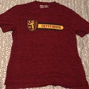 Harry Potter Gryffindor shirt Large EUC